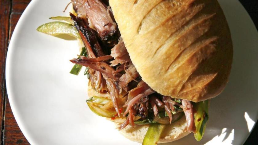 ENDETID: Oksehale er en delikatesse. Tilbered den så lenge at du kan plukke kjøttet fra hverandre. Foto: METTE RANDEM